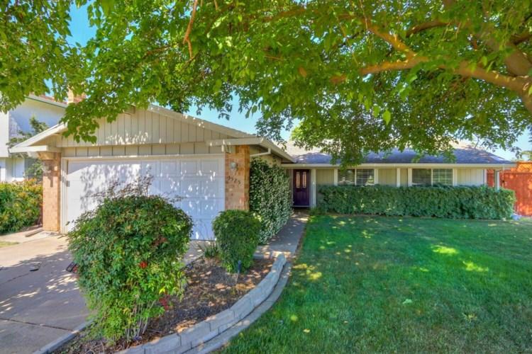 3525 Redgold Way, Sacramento, CA 95826