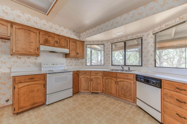 7650 Westhill Road, Valley Springs, CA 95252