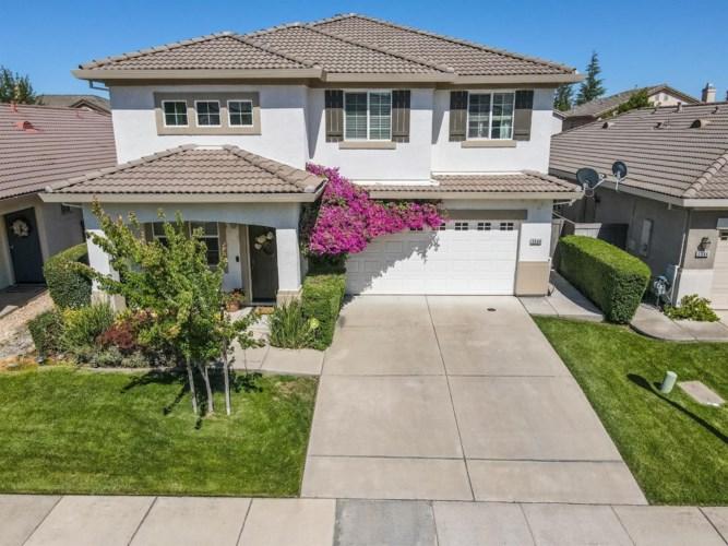 5548 Lackland Way, Sacramento, CA 95835