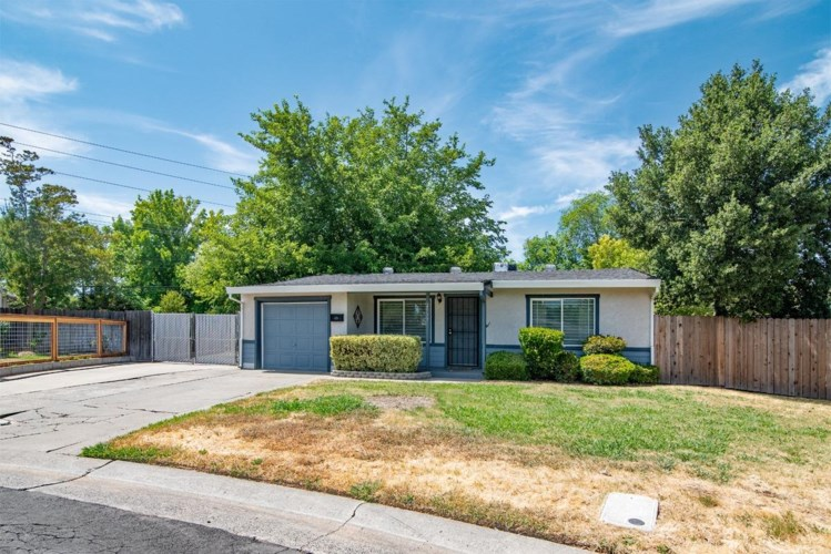 2933 Burnece Street, Sacramento, CA 95821