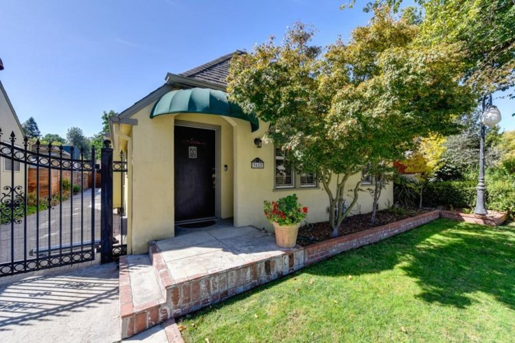 3622 Folsom Boulevard, Sacramento, CA 95816