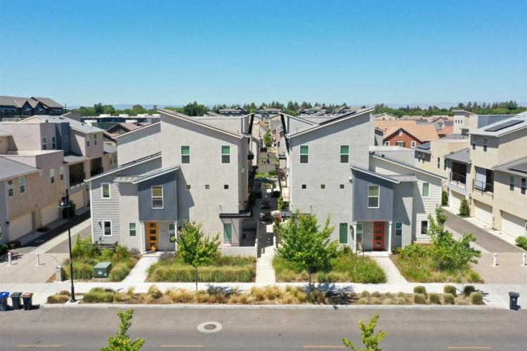 1061 Caspian Pink Terrace, Davis, CA 95616