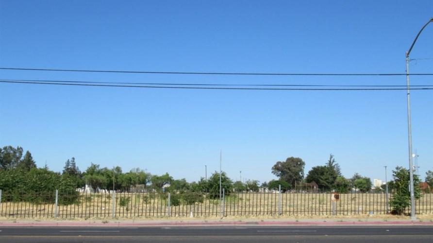 2420 S El Dorado Street, Stockton, CA 95206