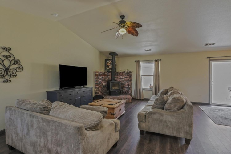 8141 Westhill Road, Valley Springs, CA 95252