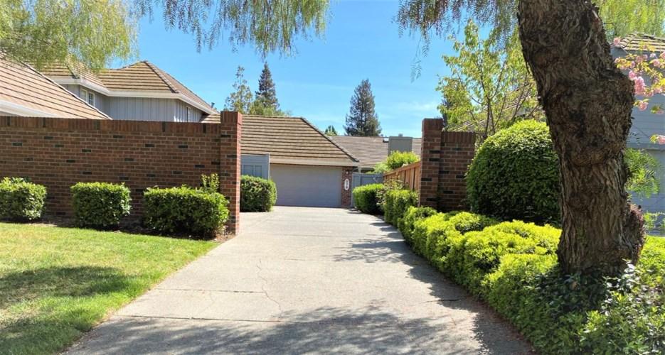 878 Lake Front Drive, Sacramento, CA 95831