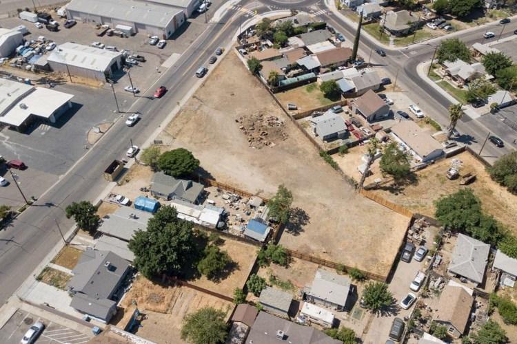 2131 Pine Street, Ceres, CA 95307