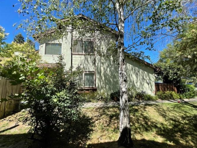 1246 Pebblewood Drive, Sacramento, CA 95833