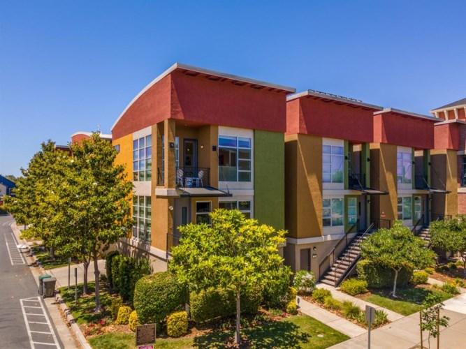 797 Krypton Court, West Sacramento, CA 95691