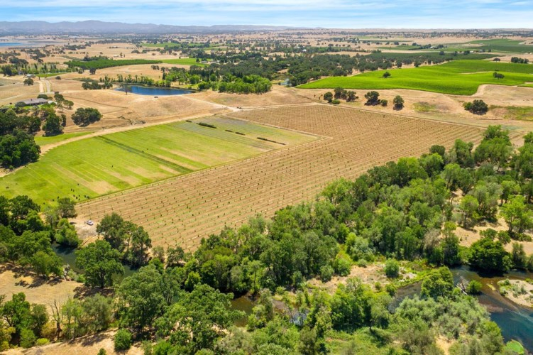 25045 N Mcintire Road, Clements, CA 95227