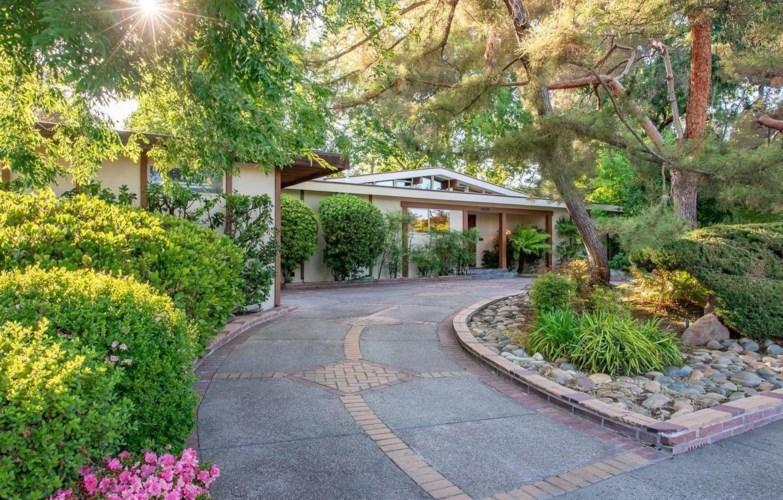 6360 S Land Park Drive, Sacramento, CA 95831