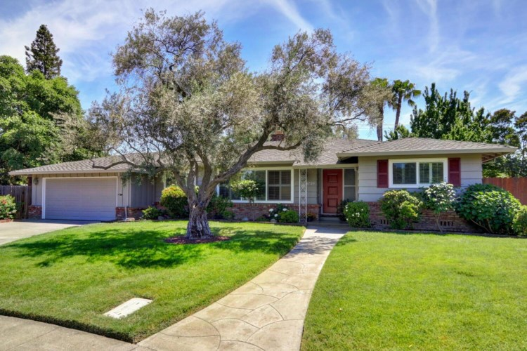6729 Swenson Way, Sacramento, CA 95831