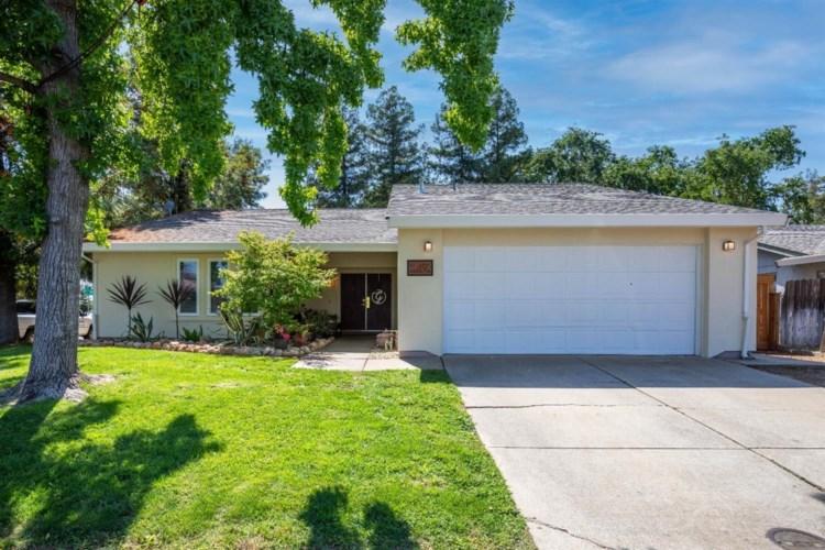 10192 Carmel Valley Way, Elk Grove, CA 95624