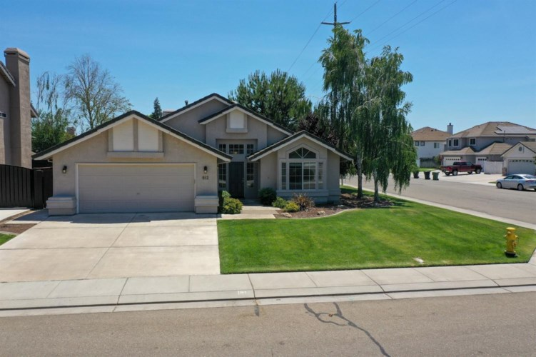 812 Tornell Drive, Ripon, CA 95366