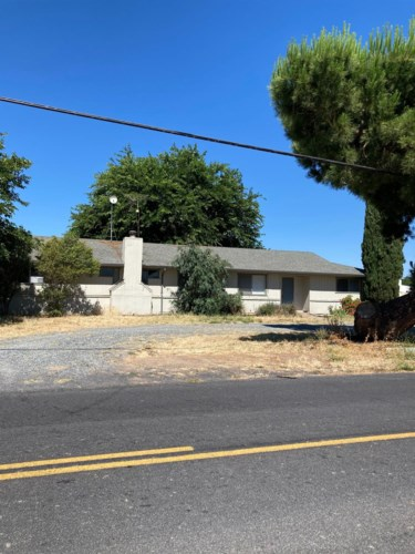 10513 Pioneer Avenue, Oakdale, CA 95361