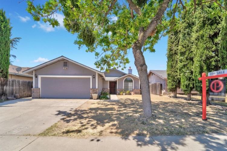 825 Deer Park Drive, Modesto, CA 95358
