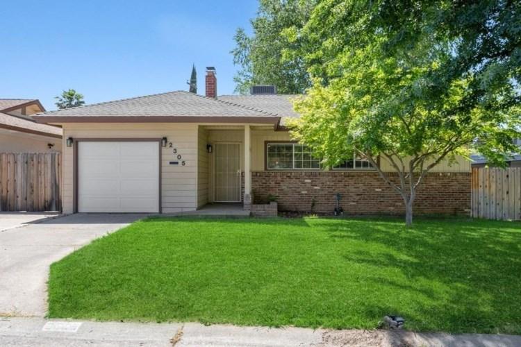 2305 Lloyd Lane, Sacramento, CA 95825
