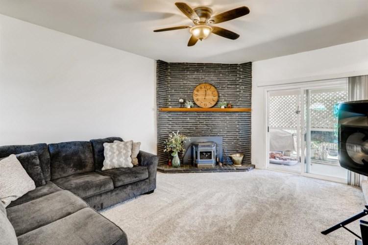 106 Vandenberg Circle, Roseville, CA 95747
