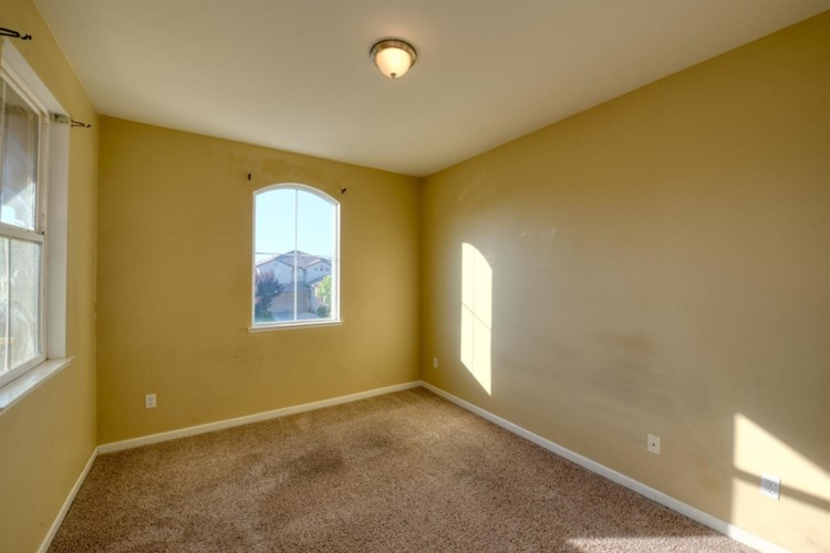 1436 Cliff Swallow Drive, Patterson, CA 95363