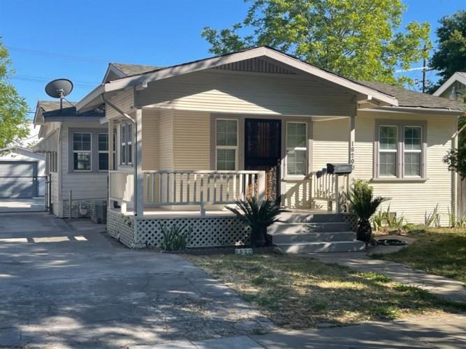 1820 El Monte Avenue, Sacramento, CA 95815