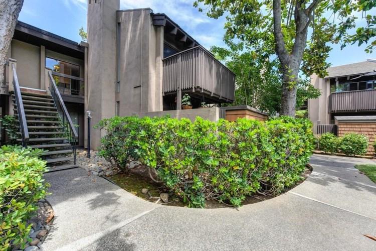 2262 Woodside Lane  #7, Sacramento, CA 95825