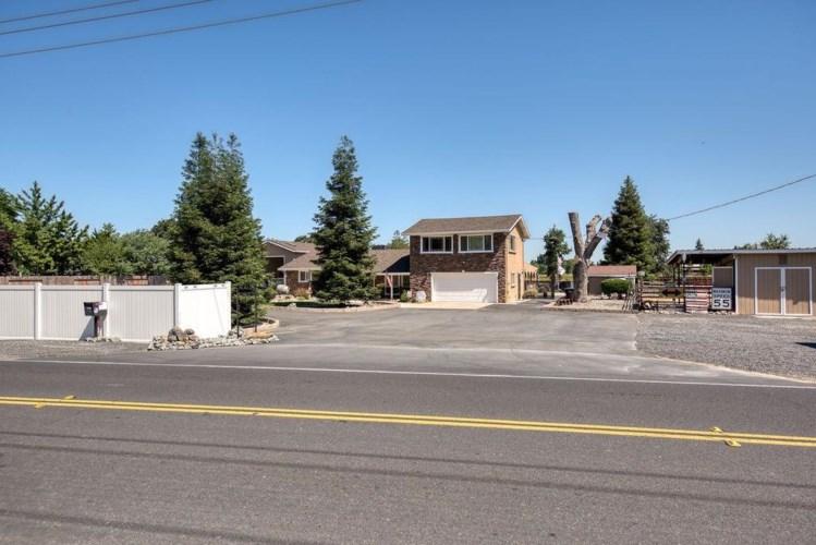 4907 River Road, Oakdale, CA 95361