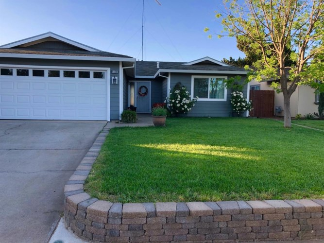 9128 Clendenen Way, Sacramento, CA 95826