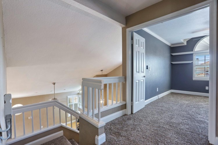 1955 Paradise Valley Court, Tracy, CA 95376