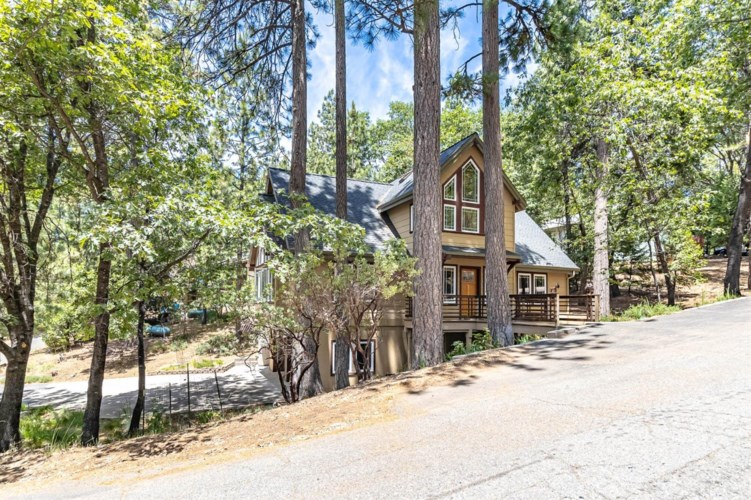 24082 Hitching Post Road, Sonora, CA 95370
