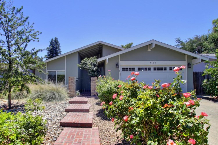 9490 Mira Del Rio Drive, Sacramento, CA 95827