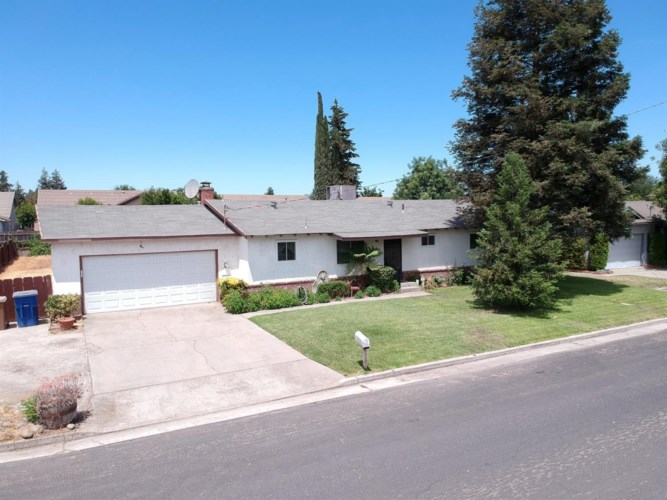 7851 Cedar Lane, Hilmar, CA 95324