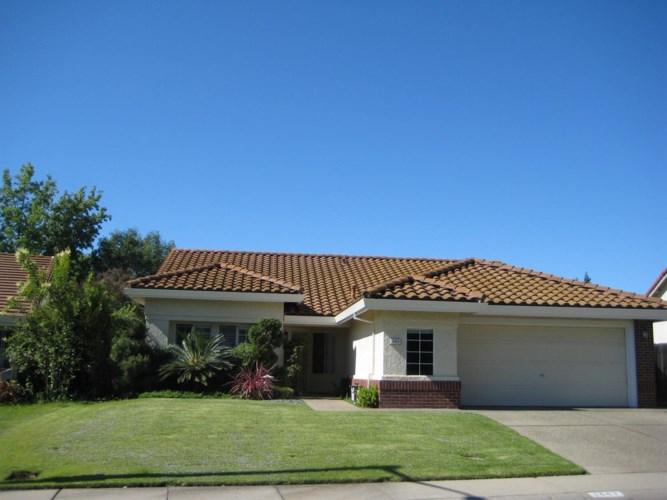 1443 Penhurst Way, Roseville, CA 95747