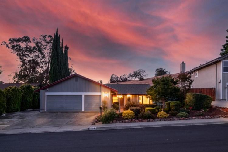 237 Briar Drive, Martinez, CA 94553