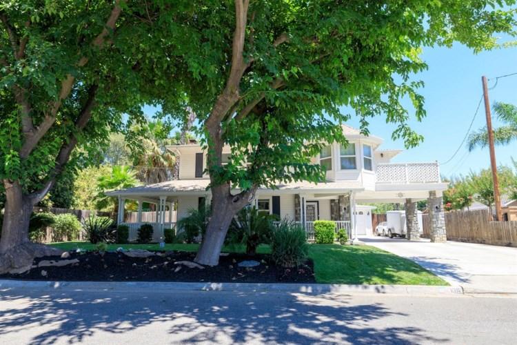 136 Las Flores Avenue, Modesto, CA 95354