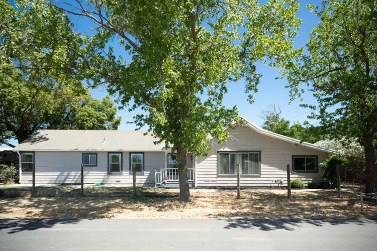 987 Country Club Road, Olivehurst, CA 95961