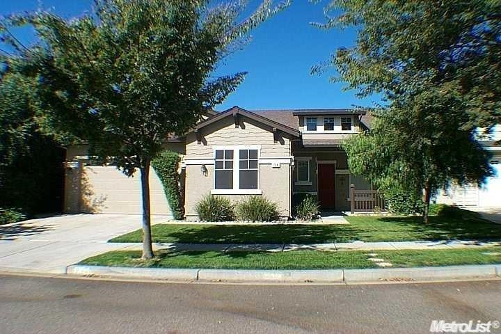 734 Peachcrest Drive, Oakdale, CA 95361
