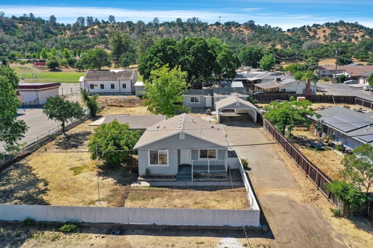 200 Sequoia Avenue, Valley Springs, CA 95252