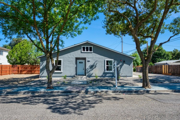 320 C Street, Patterson, CA 95363