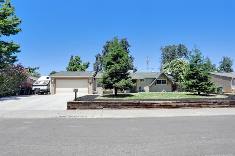 8289 Wightman Avenue, Fair Oaks, CA 95628