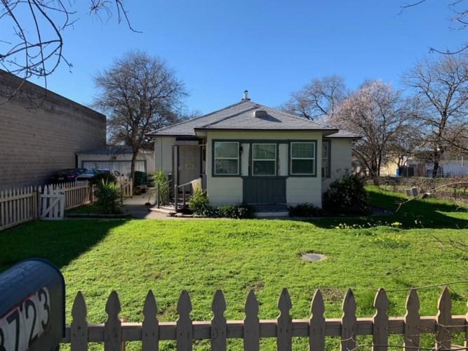 8723 Davis Road, Stockton, CA 95209