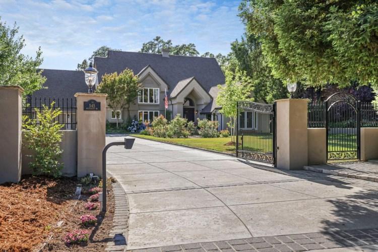 545 Wilhaggin Drive, Sacramento, CA 95864