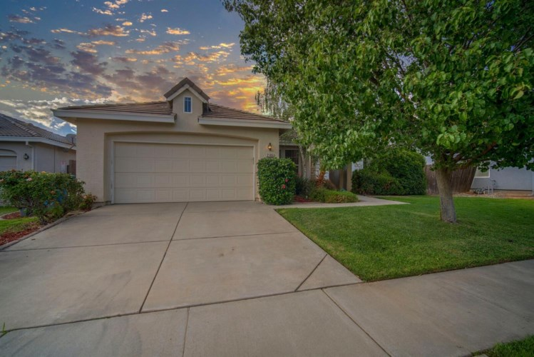 2185 Summerfield Lane, Olivehurst, CA 95961