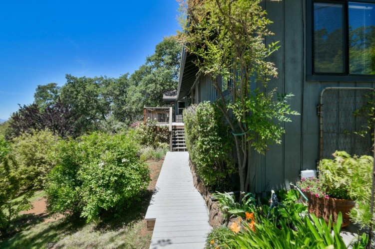 9886 Spring Valley Road  #A, Browns Valley, CA 95901