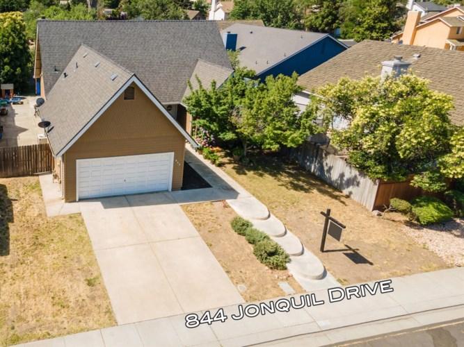 844 Jonquil Drive, Lathrop, CA 95330