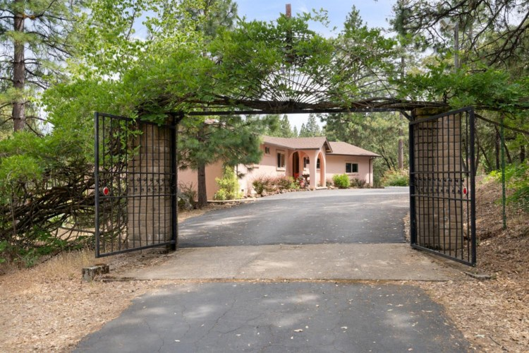 19211 Red Hill Mine Road, Pine Grove, CA 95665