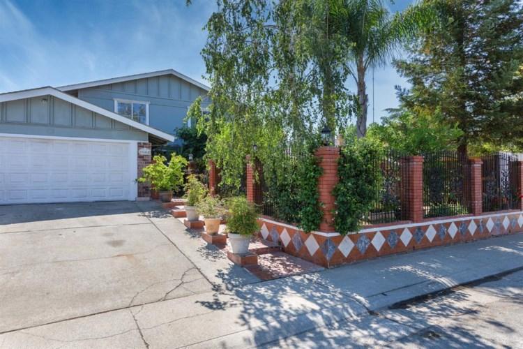 9804 Bexley Drive, Sacramento, CA 95827