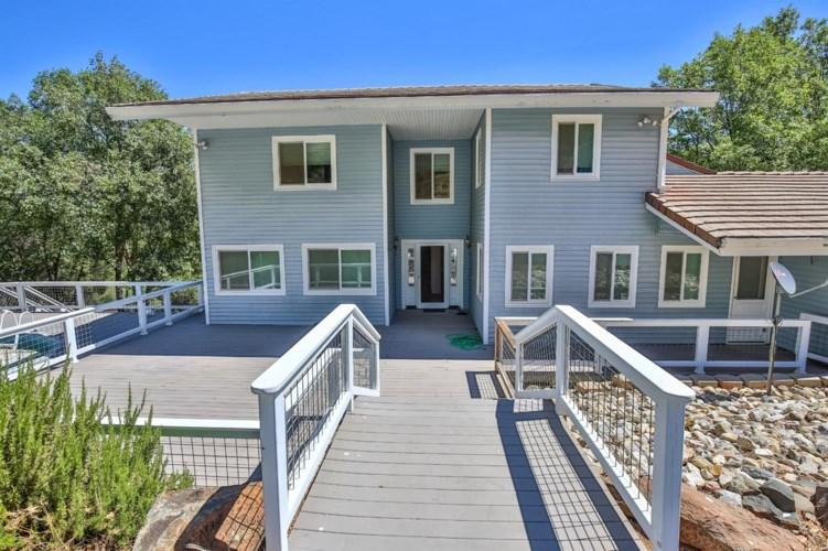 8150 Mountain Meadow Drive, Mountain Ranch, CA 95246