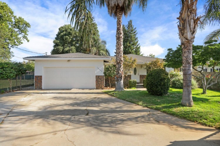 18699 E State Route 26 Highway, Linden, CA 95236