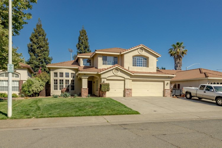 1102 Caragh Street, Roseville, CA 95747