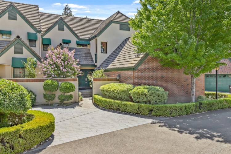 1142 Rivergate Drive  #15, Lodi, CA 95240