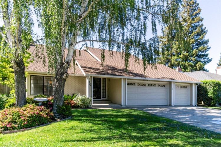 424 Camelia River Way, Sacramento, CA 95831